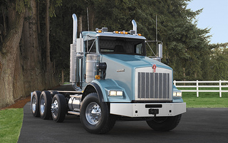 T800 with split fenders (shown), T660 and W900L gliders include new frame, hood, cab and much wiring. They are designed to take customer EPA-2004 diesels and drivetrain components.