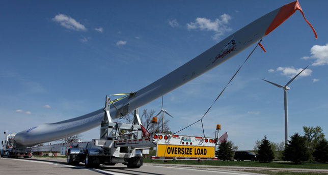 Last spring, SkyBitz tracked the movement of this 131-foot-long wind turbine blade from South Dakota to Texas. A Landstar contractor did the hauling.