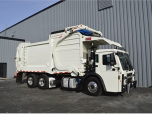 Mack's Low-Ride Refuse Hauler