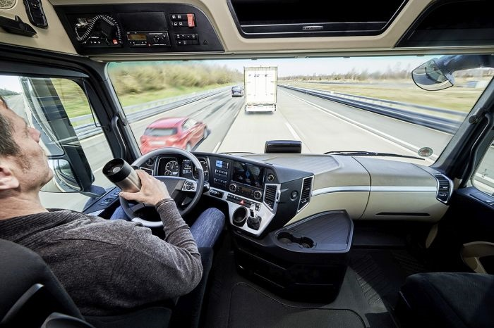 Daimler merged its Highway Pilot autonomous vehicle technology with a