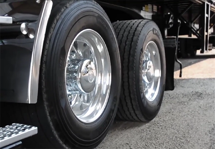 Adaptive Loading allows the axle to be lifted completely off the