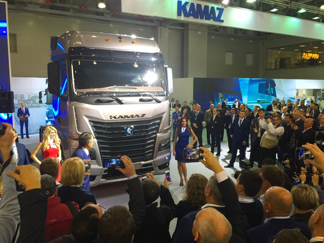 Russian truck maker Kamaz introduced the new 54901-K5 tractor unit,