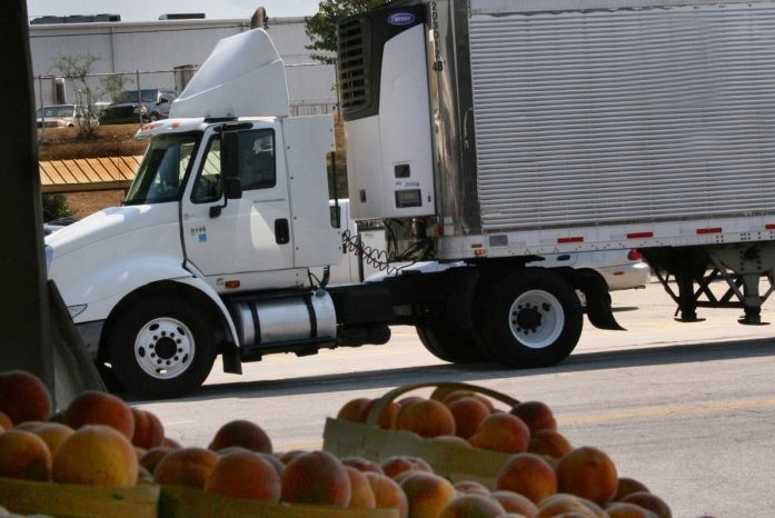 The regulation applies to shippers, receivers, loaders, and carriers