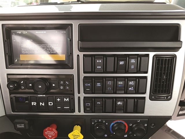 The dash panel is decked out with big, firm and very tactile rocker