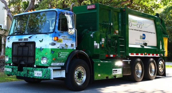 Parker RunWise hydraulic hybrids work well in Autocar trash collection