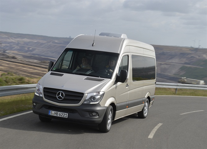 The Sprinter chassis features independent wheel suspension at the
