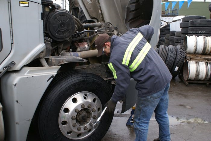 Alert your technicians to ongoing tests by labeling the tires and the