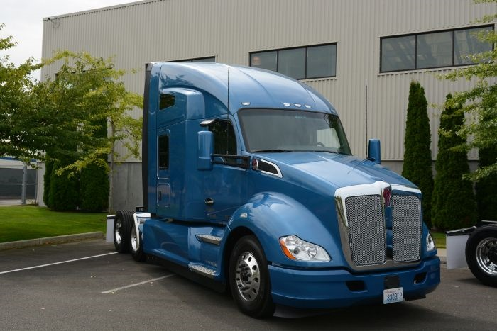 The test truck was a 2017 Kenworth T680 with a 76-inch high-roof