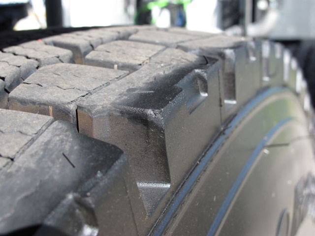 Mis-matched tires in a dual assembly must be the same pressure and