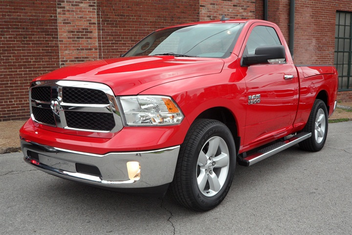 The Ram 1500 2-door Regular cab has SLT trim, standard with chrome