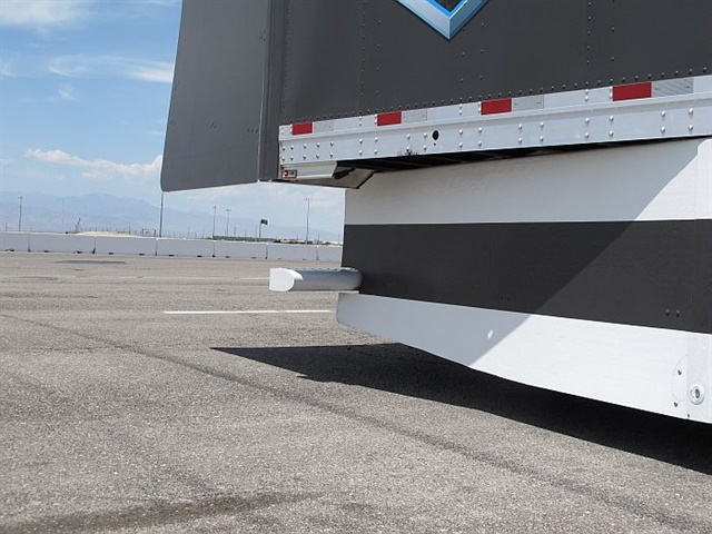 The rear of Daimler's trailer featured a rear fairing, a