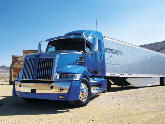 Western Star s 5700XE is a Classic-style truck in aerodynamic wrap.