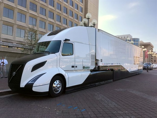 Volvo Truck's SuperTruck was revealed in September 2016. It
