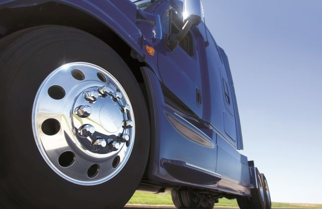 With strict emissions and fuel-economy requirements of new GHG Phase 2 regulations just around the corner, look to aluminum and lightweight steel wheels to contribute to overall equipment compliance. Photo: Accuride