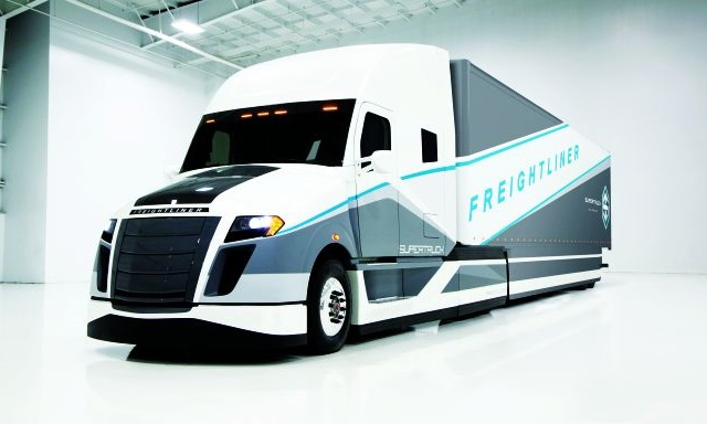Daimler's SuperTruck broke 12 mpg without any really advanced technology, but would fleets tolerate the maintenance and repair requirements on the aero fittings? Photo: Daimler