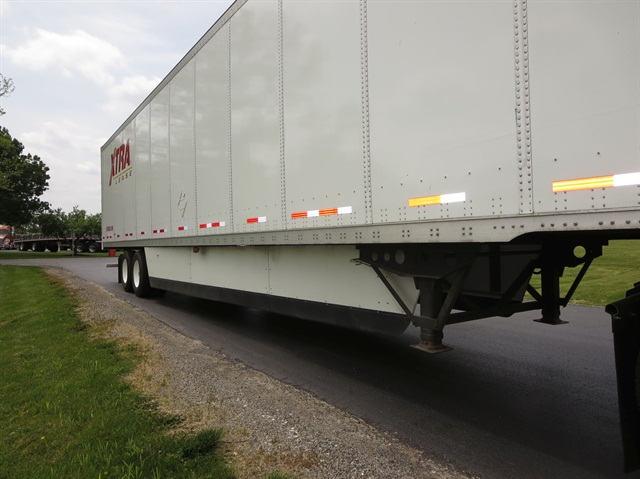 Fleets buy various brands of skirts based on performance, durability and price. To last a long time, skirts must be physically flexible, which means they're made of thermoplastic or a thermoplastic-fiberglass composite. Some trailer manufacturers make their own skirts.