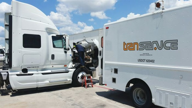 Lights, tires and the air system can all be inspected from a mobile maintenance truck at a customer's location. Photo: Transervice Lease Corp.