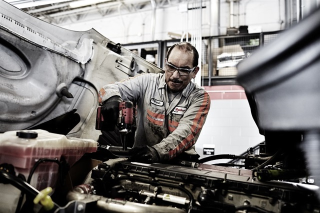 The Bureau of Labor Statistics predicts the trucking industry will need an estimated 67,000 new technicians and 75,000 diesel engine specialists by 2022. Photo: Ryder