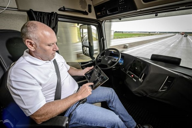 Limited Level 4 autonomous cruise control, without any active driver input, may be commonplace by 2027. Photo: Daimler