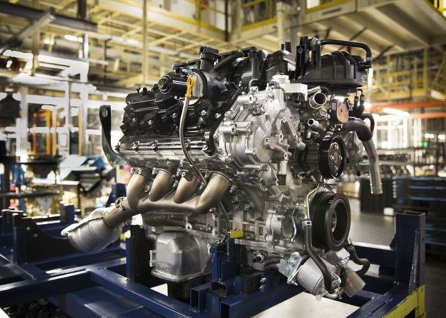 The advanced version of Nissan's Endurance gasoline V-8 will be optional on XDs and the top engine in regular Titan pickups starting in early spring 2016. Photo: Tom Berg