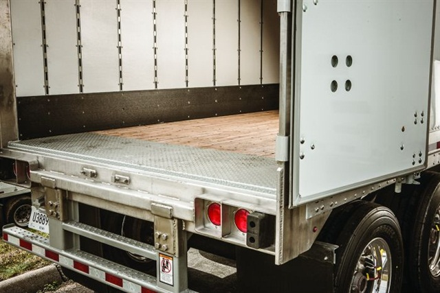 Most vans get swing doors which are comparatively simple and when locked shut help stiffen the trailer\u0027s body structure. And rugged yet economical ... & Spec\u0027ing Trailer Doors and Floors - Articles - Equipment ...