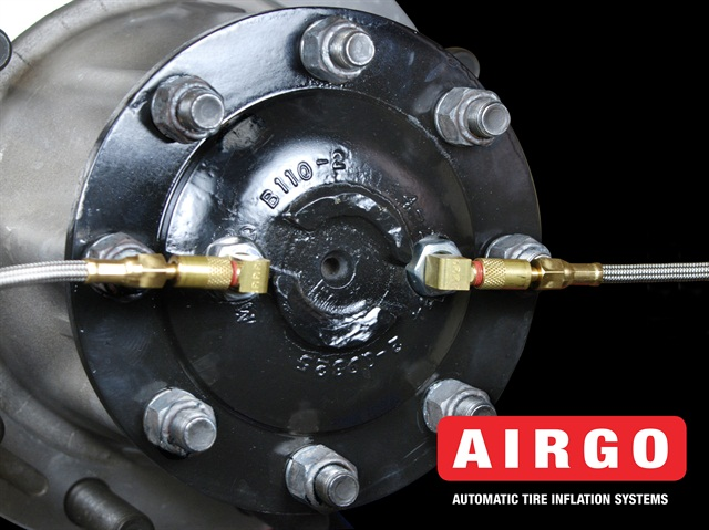 Airgo is using internal air line and seals, deliferaing air to the wheels through two hoses with one-way check valves.