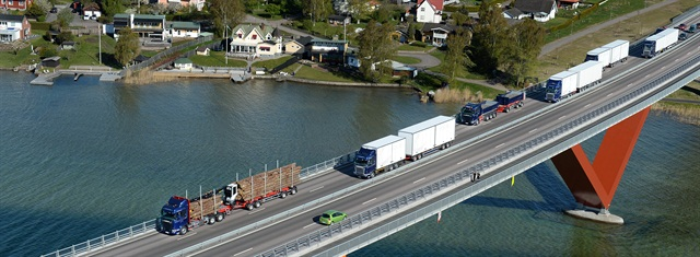 A convoy of Scania demo vehicles on their way to a dealer open house in Sweden in May. Photo: Tommy Holl