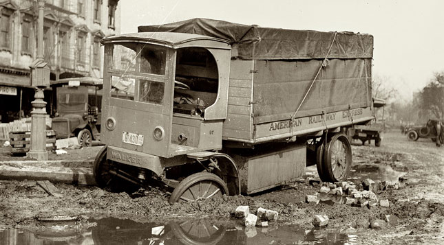 Electric trucks have a long history, as you can see from this photo dating to 1912. But is recent interest being eclipsed by natural gas? (Photo courtesy Shorpy.com)