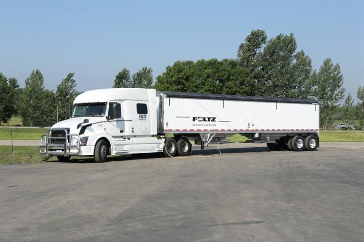 Foltz runs 125 Volvo VNL sleeper-cab tractors and 400 Wilson 41-foot