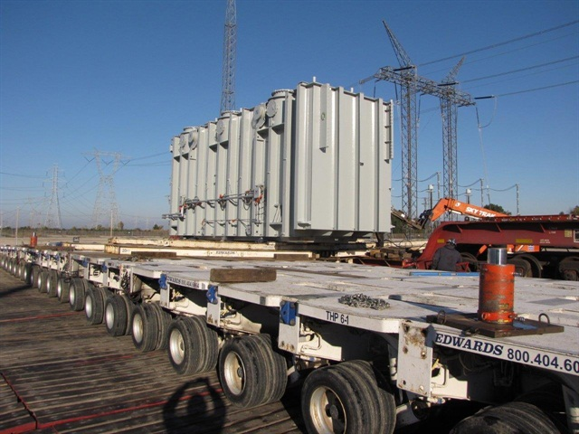 With 21 axle-lines and 336 wheels, the transporter easily shoulders
