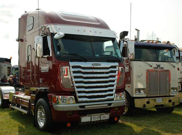 This 2015 Freightliner Argosy is obviously not a classic, yet. Compare it to the '76 model above. Photo by Jim Park