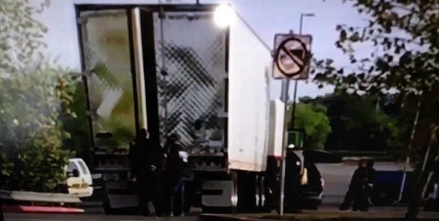 Now infamous reefer trailer stopped in a parking lot in San Antonio. There, close to 100 illegal aliens were discovered inside and rescued. Ten died from the heat insiide. Images from CBS and NBC news reports.