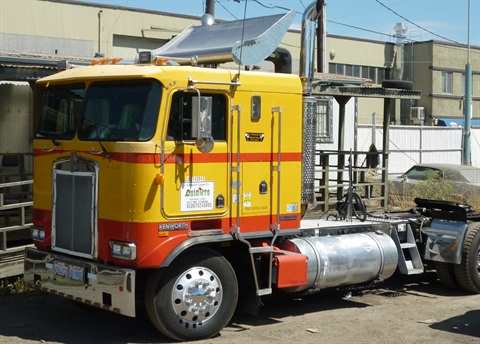 David Sosa worked 10 hours a day for seven weeks to combine a K100 cab and a wrecked KW T660 into a clean-emissions repowered classic cabover.