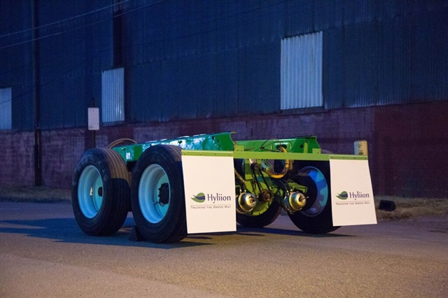 """Like the North American version, the powered axle for Europe would replace a """"passive"""" axle. Image: Hyliion Inc."""