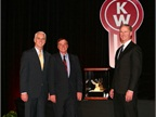 Kenworth Sales Co. Receives 2013 Kenworth Medium Duty Dealer of the Year Award