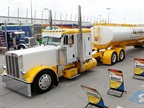 Peterbilt 389 Wins $15K and Best of Show at Shell Rotella SuperRigs