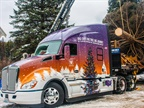 Kenworth T680 Advantage Transports Christmas Tree to U.S. Capitol