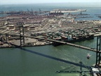 About 100 California Port Truckers Approve New Labor Contract