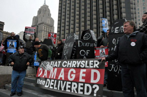 The Teamsters union has negotiated a deal with GM to protect existing Teamsters who do carhaul work for the manufacturer, but they have not reached an agreement with Chrysler.