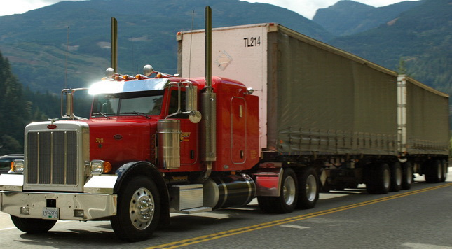 Canadian length restrictions limit tractor wheelbases and fleet flexibility.