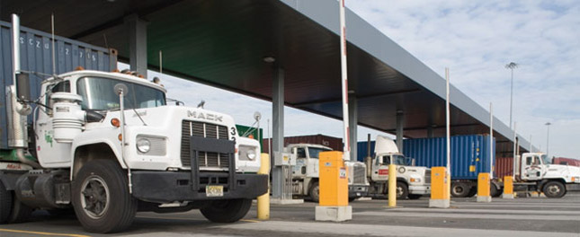 Starting Jan. 1, 2011, the Port of NY/NJ will phase out pre-1994 model trucks, which will no longer be able to call on Port Authority marine terminals. (Photo courtesy of the Port Authority of New York/New Jersey)
