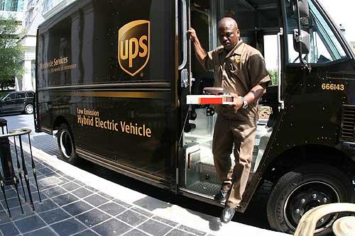 UPS electric hybrid delivery van