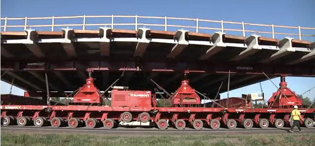 This Self-Propelled Modular Transporter was used to replace a bridge over I-35E in St. Paul with fewer road closures.