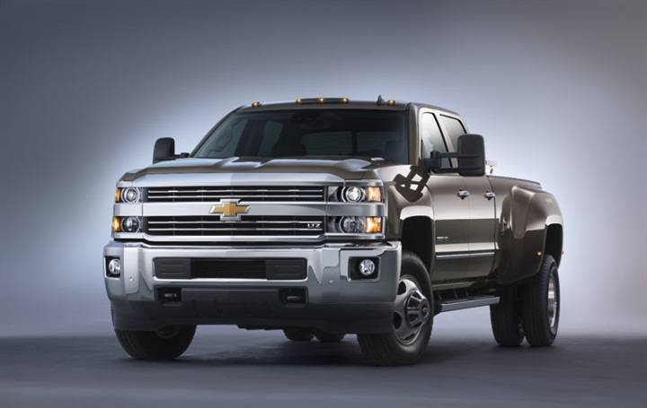 With the 2015 Silverado 3500 customers can chose from gasoline, CNG or