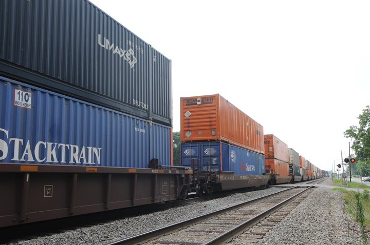 Intermodal service providers again demonstrated clear gains in the