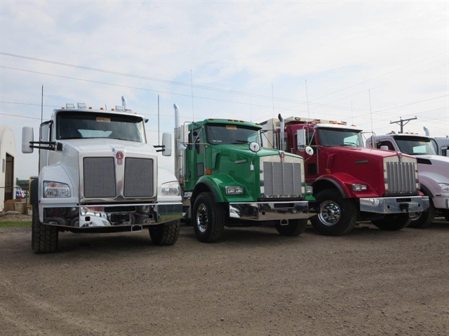 Vocational truck customers are converting to the more modern T880 (far