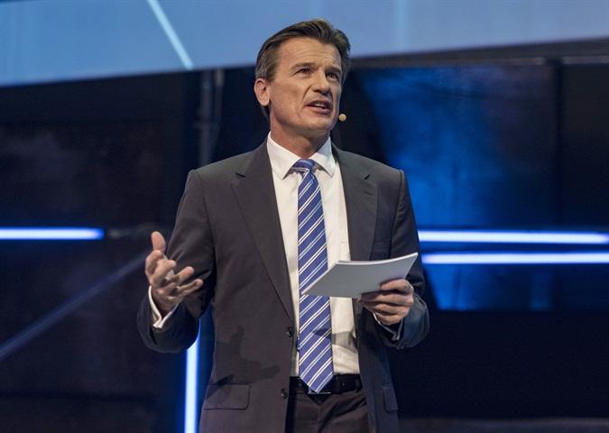 Wolfgang Bernhard speaking on connected trucks. Photo: Daimler AG