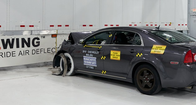 IIHS said a crash test showed that an AngelWing side underride guard