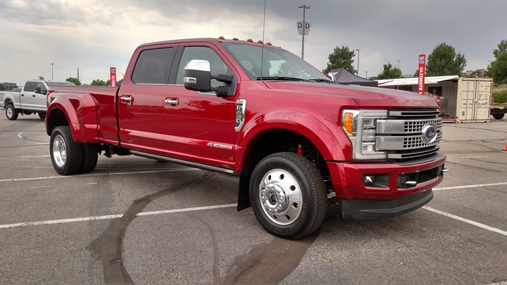 Like all new SuperDuty pickups, this F-450 SuperCrew has an aluminum
