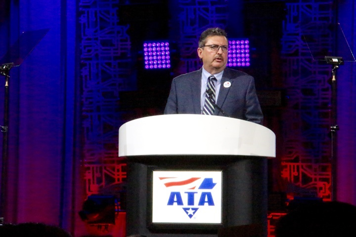 Kevin Burch, new ATA chairman, addresses attendees at an awards